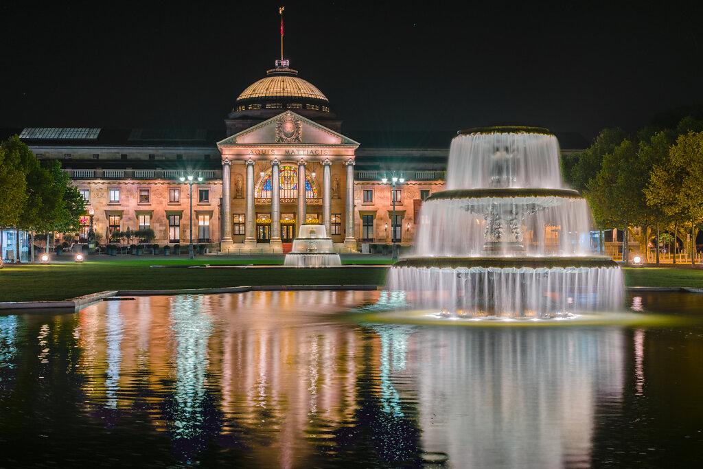Kurhaus Wiesbaden bei Nacht